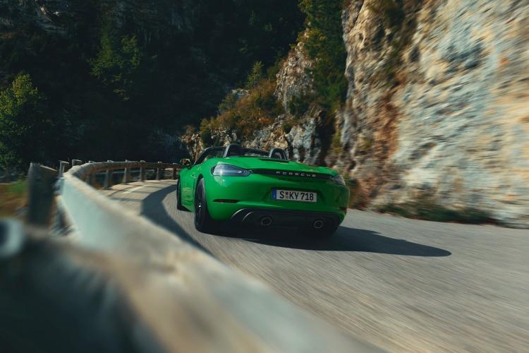 Porsche-718-Boxster-GTS-4-5