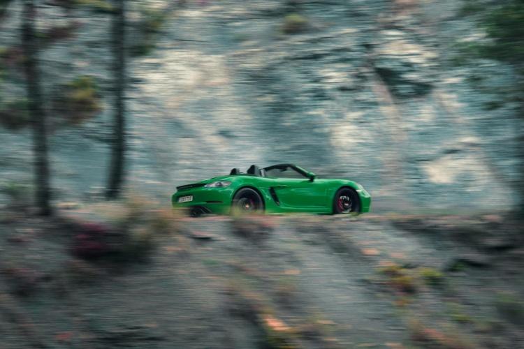 Porsche-718-Boxster-GTS-4-2