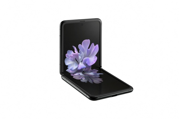 Samsung-Galaxy-Z-Flip-mirror-black-front-left-side-view